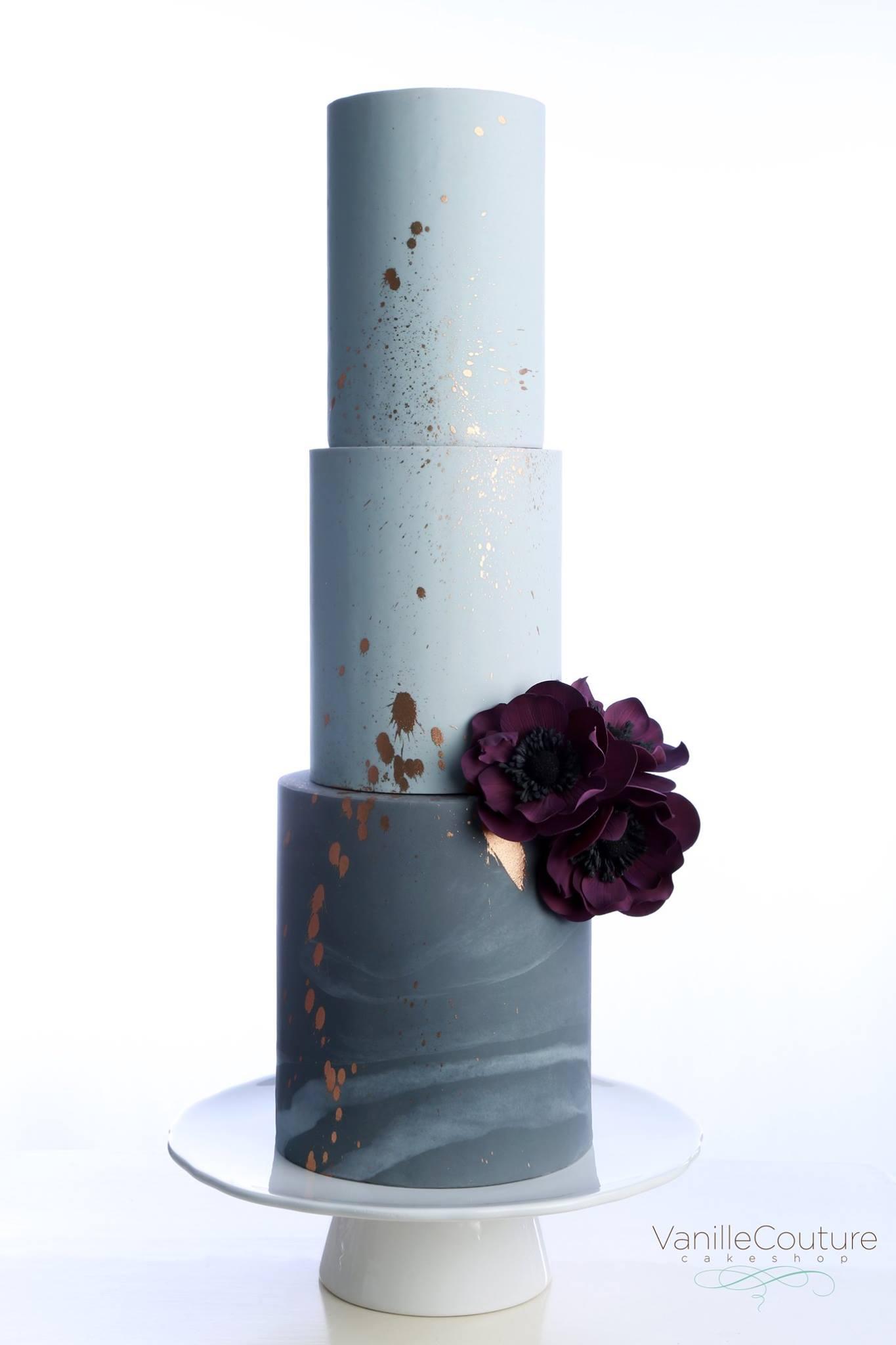 Pastel de boda morado
