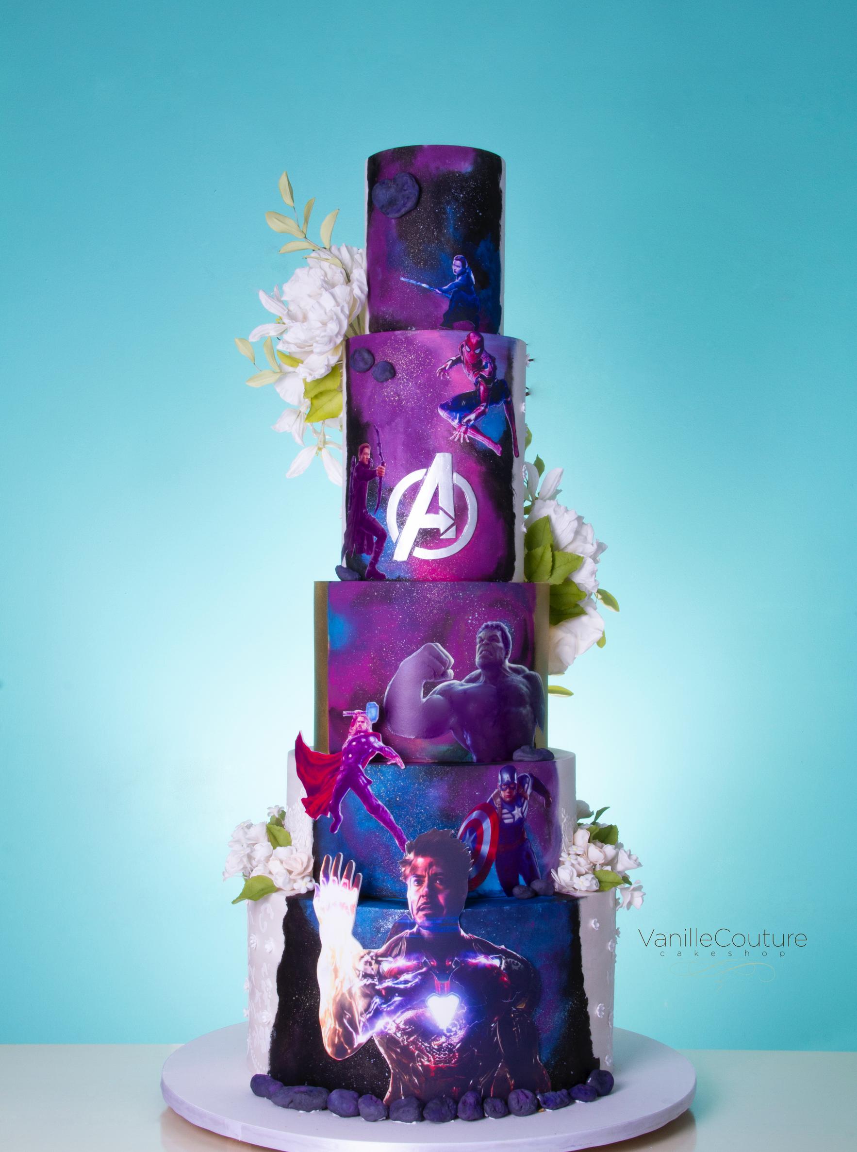 Pastel de boda doble vista novio - Avengers