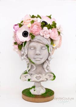 Escultura de chocolate con flores