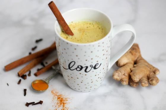 5 Benefits of Turmeric Milk (Latte)