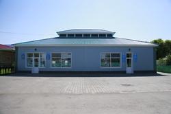 Салон красоты и библиотека