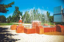 фонтан перед ДК