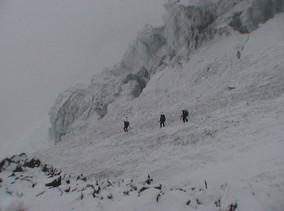 Climbers off Kautz