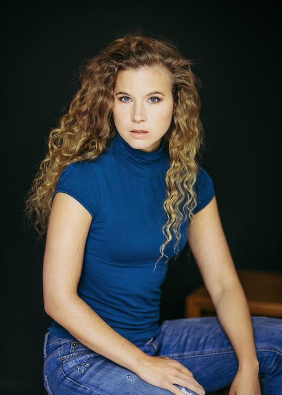 Nadine Aßmann (Regisseurin, Schauspielerin, Sängerin)