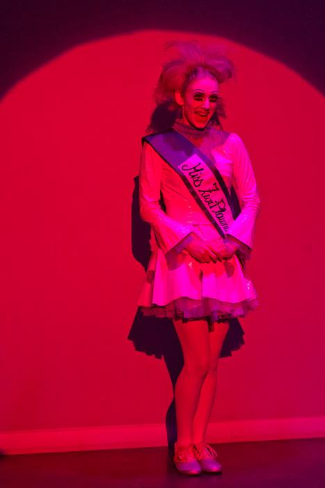 2016 Blond Blessed Evil - Science Fiction Revue