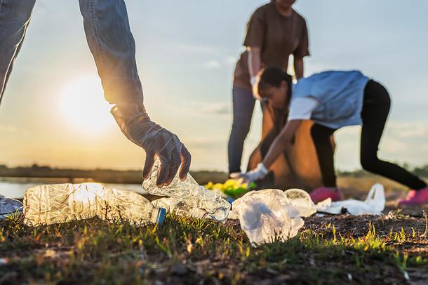 people-volunteer-keeping-garbage-plastic