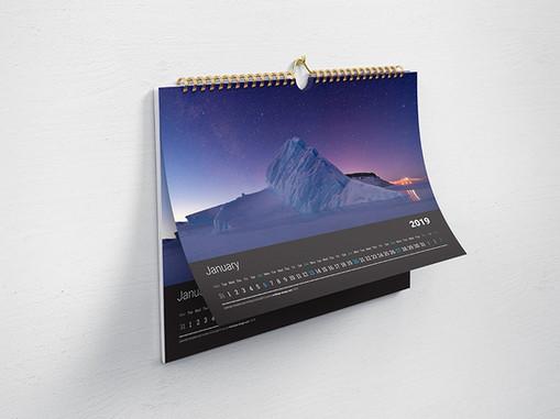 Horizontal_Calendar_Mockup_2.jpg