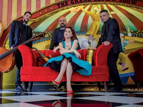 Ζανέλ & The Band.jpeg