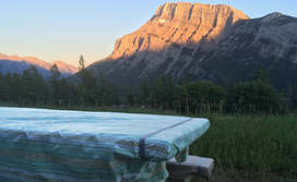 Stay_Picnic_mountains_2.jpg