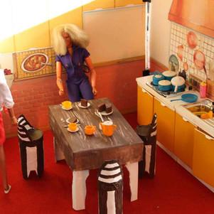 Sindy kitchen with cardboard and original furniture.