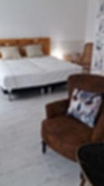 ch RDC lits et fauteuils.jpg