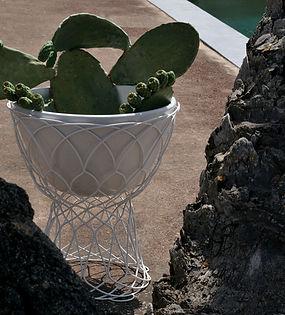 pot-de-fleurs-blanc_madeindesign_55363_o