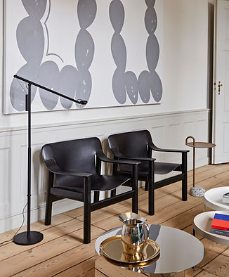 Bernard black leather cover deep black wb lacquer oak base_Fifty-Fifty Floor Lamp black_Bo
