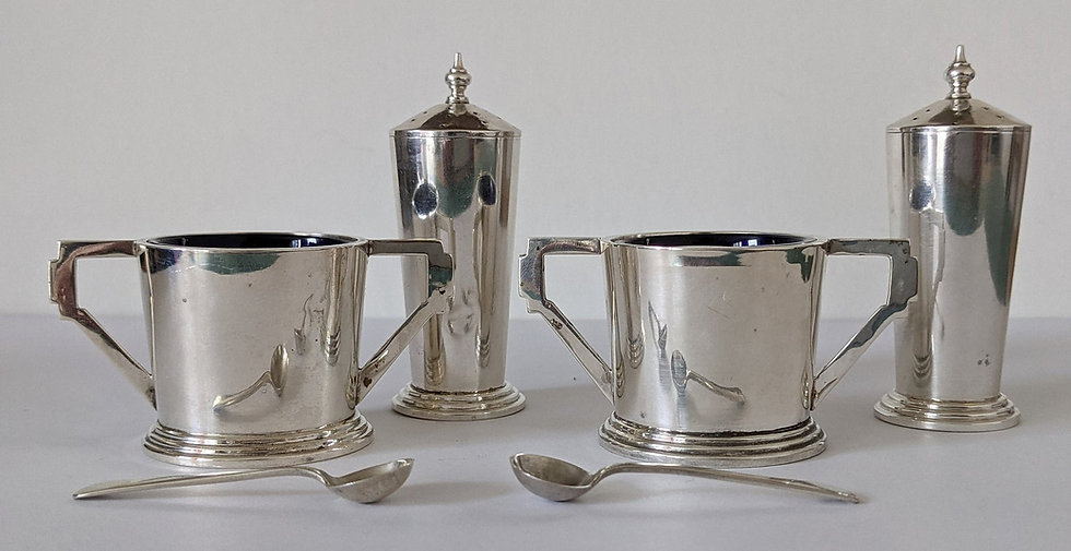 1936 Art Deco Sterling Silver Hallmarked Pair Of Pepper Pots & Open Salts 101 gm