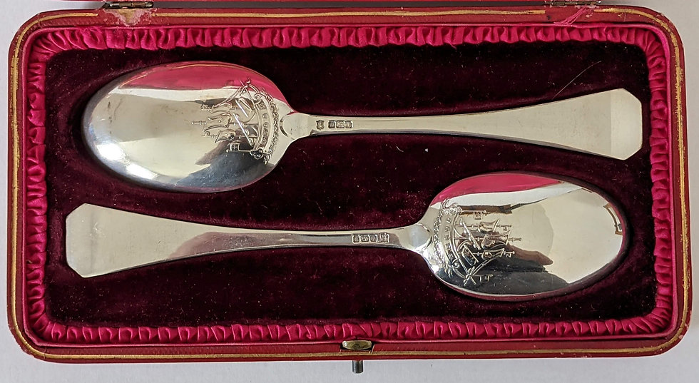 HEAVY PAIR OF SILVER SERVING SPOONS HALLMARKS SHEFFIELD 1907 TB&S IN CASE 171gms