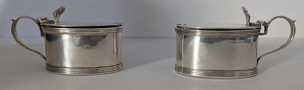 NICE GOOD QUALITY PAIR ANTIQUE SOLID SILVER MUSTARD POTS CHESTER 1914