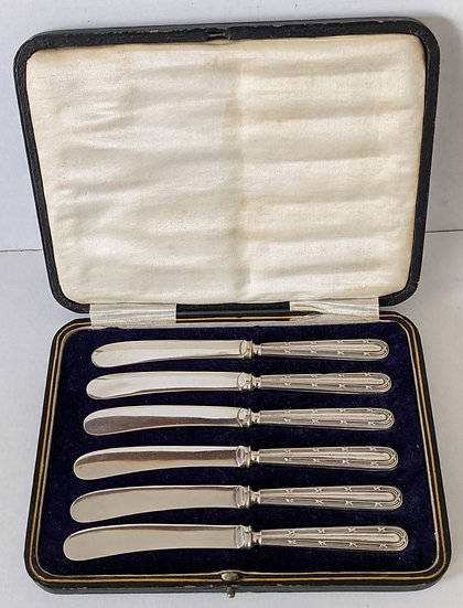 Cased set of Silver Handled Butter Knives Sheffield 1920