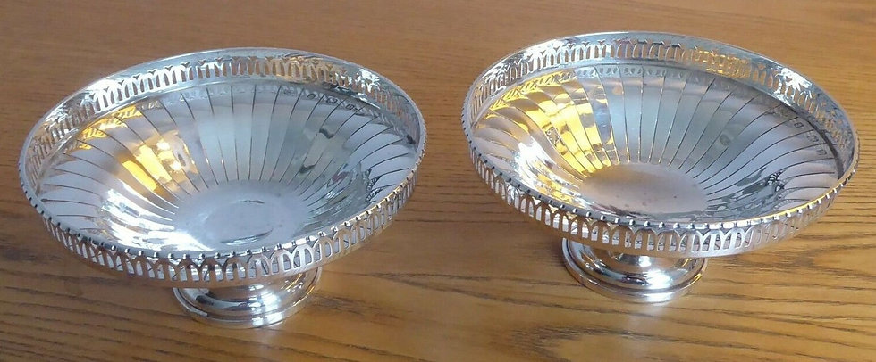 1928 Mappin and Webb Pair of Solid Silver Bon Bon Dishes Birmingham 1928 120 gra