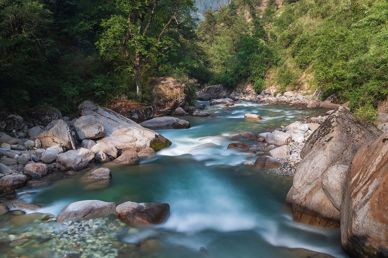 Tirthan and Jibhi valleys are two popular tourist places near Kasol