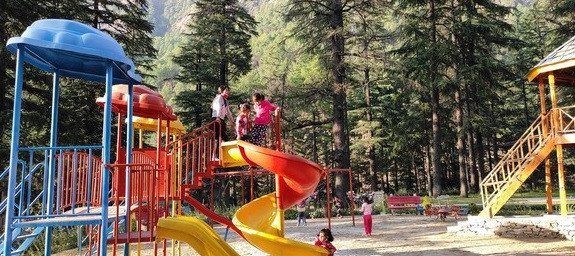 Nature Park is a beautiful place in the lap of nature. It is among the places you must visit in Kasol