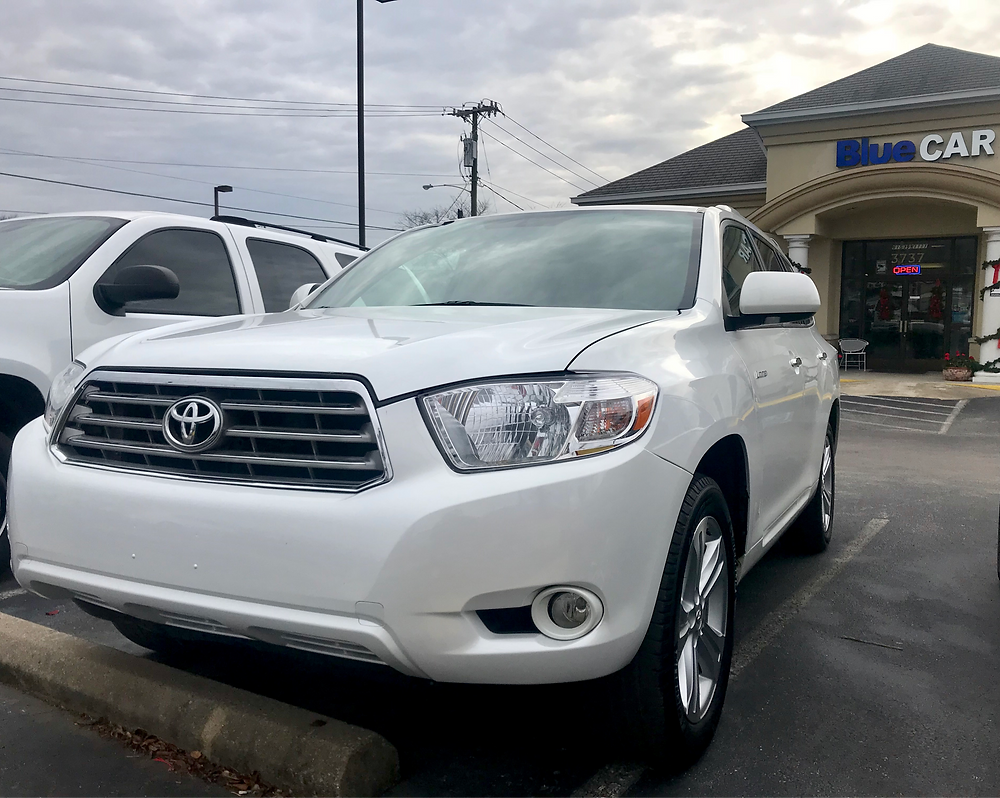 Toyota Highlander at BlueCAR