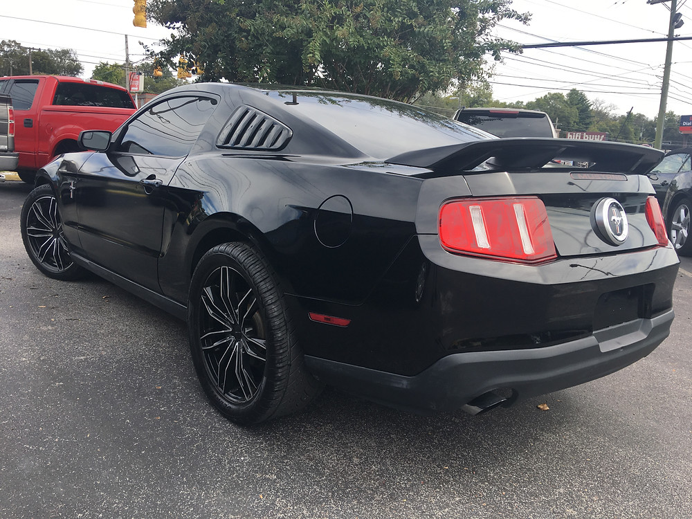 2011 Ford Mustang with sporty rims