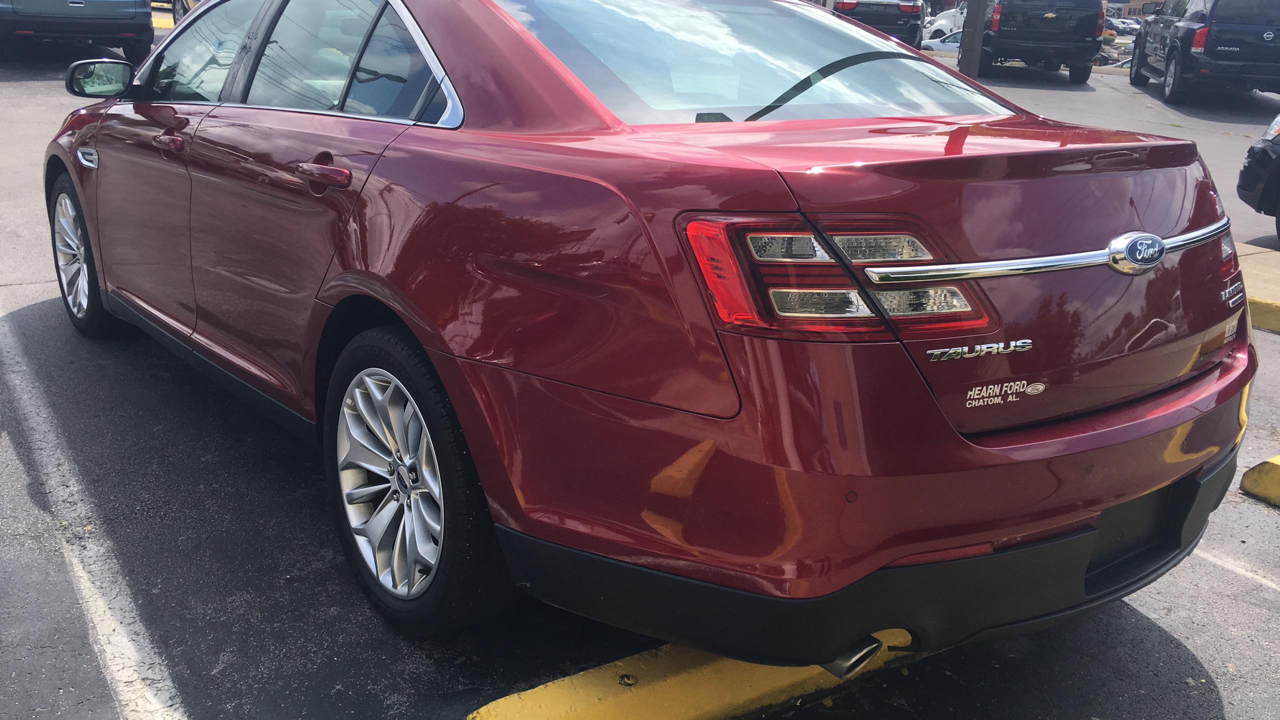 Ford Taurus Back