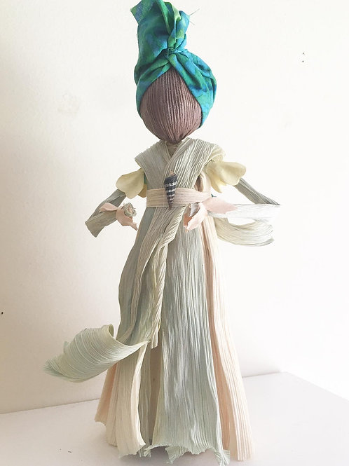 """""""Queen Folk"""" Corn Husk Doll"""