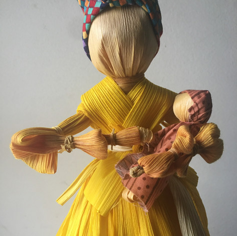 Mama Knows Corn Husk Dolls