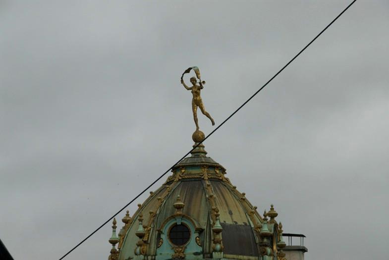 Installation: Yann Kersalé - Grand Place, Bruxelles