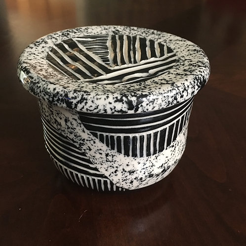 French Butter Dish - Lines & Lanes