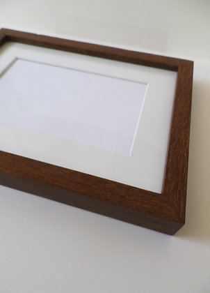 "FRAMED kit frame specially designed for 5x7"" photo"