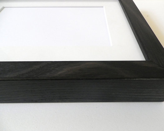 "FRAMED Charcoal kit frame specially designed for 5x7"" photo"