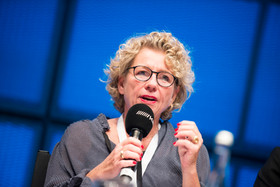 Frau Susanne Asche Portrait Reportage Karlsruhe ZKM