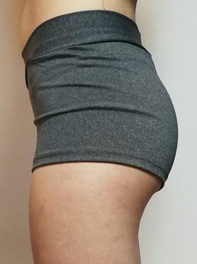 Culotte-sportive-grise-cote.jpg