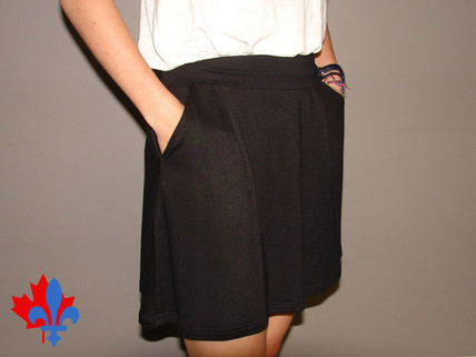 Jupe avec poches - Côté / Skirt with pockets - Side