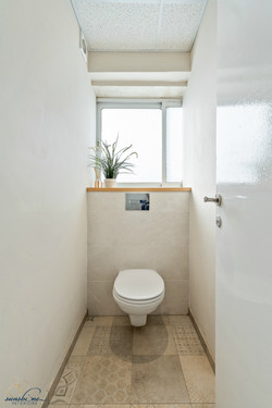 toilet stall