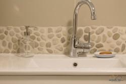 detail master bath backsplash