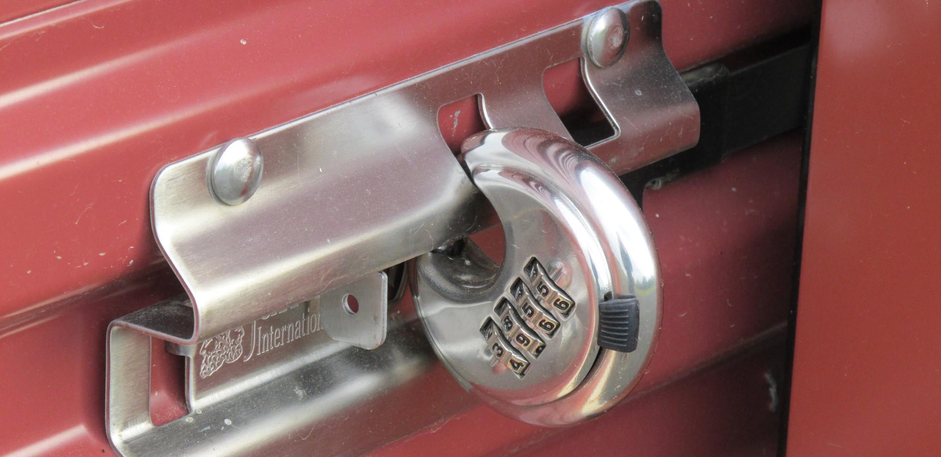 self-storage lock closeup pic 2.JPG