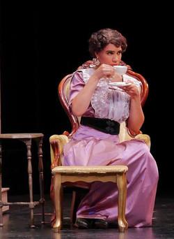 UPSIDE-DOWNTON ABBEY | Lady Cora