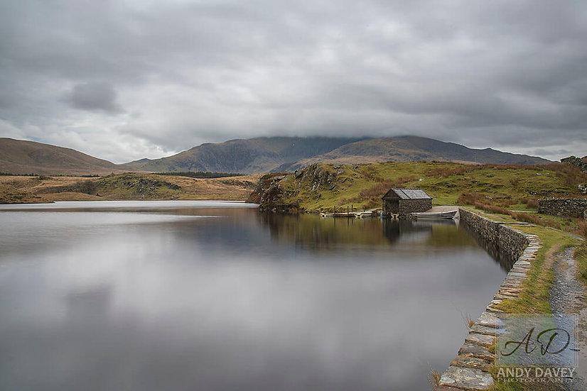 llyn y dywarchen Snowdonia