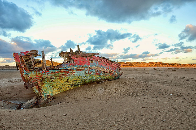 Old barge at Crow Point Braunton