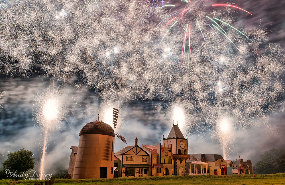 Fireworks over Trumpton Bonfire 2015