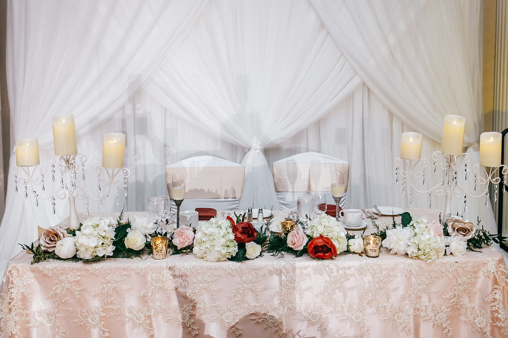 Blush lace head table