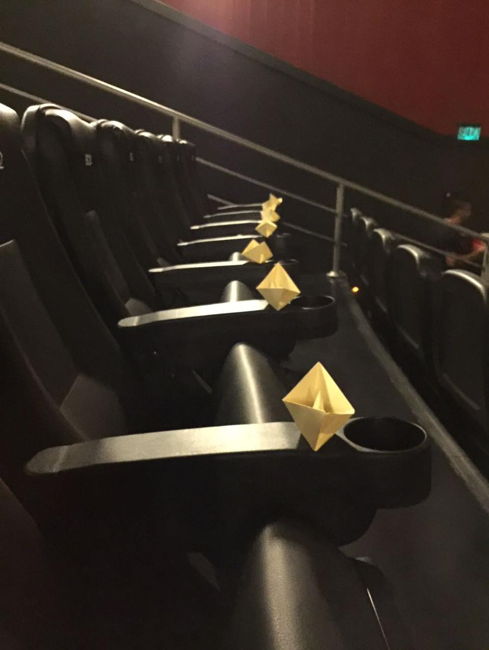 Barquitos en la sala de cine