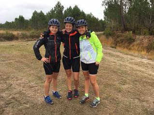 Manu, Gé & Val : pause photo après 36 km de VTT et on enchaine avec 11km de running ;)