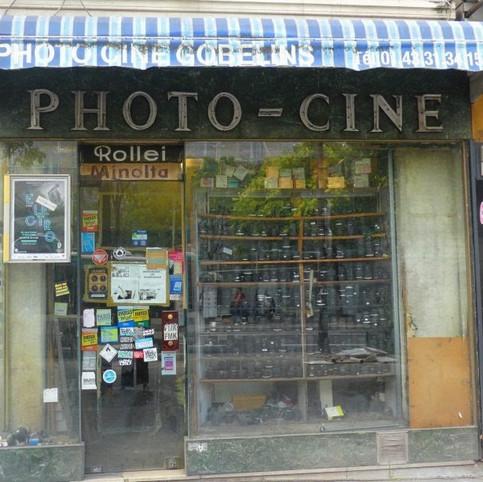 Vente du contenu d'une Boutique Parisienne de Matériel Photographique