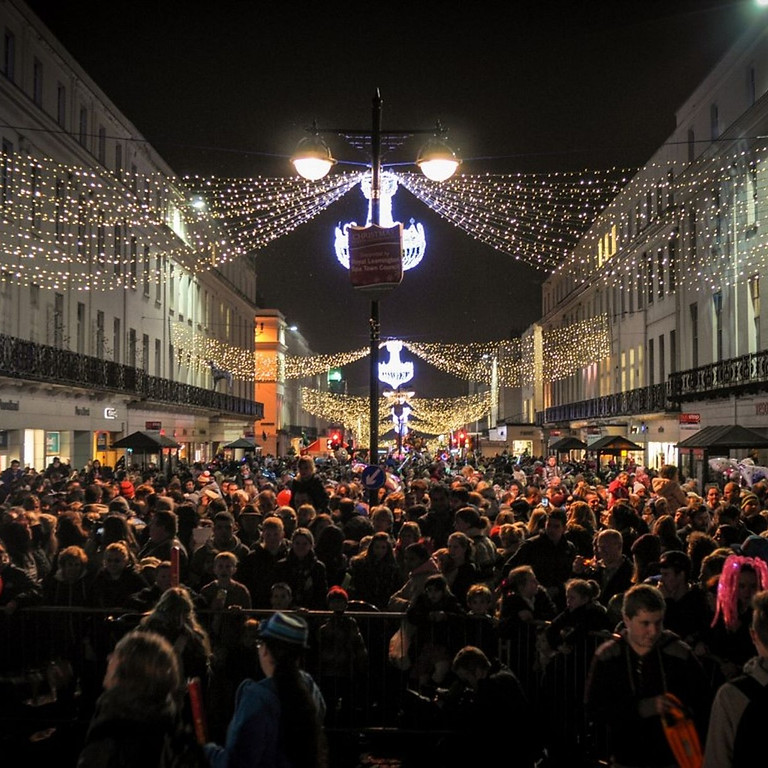 Leamington Christmas Lights Switch on
