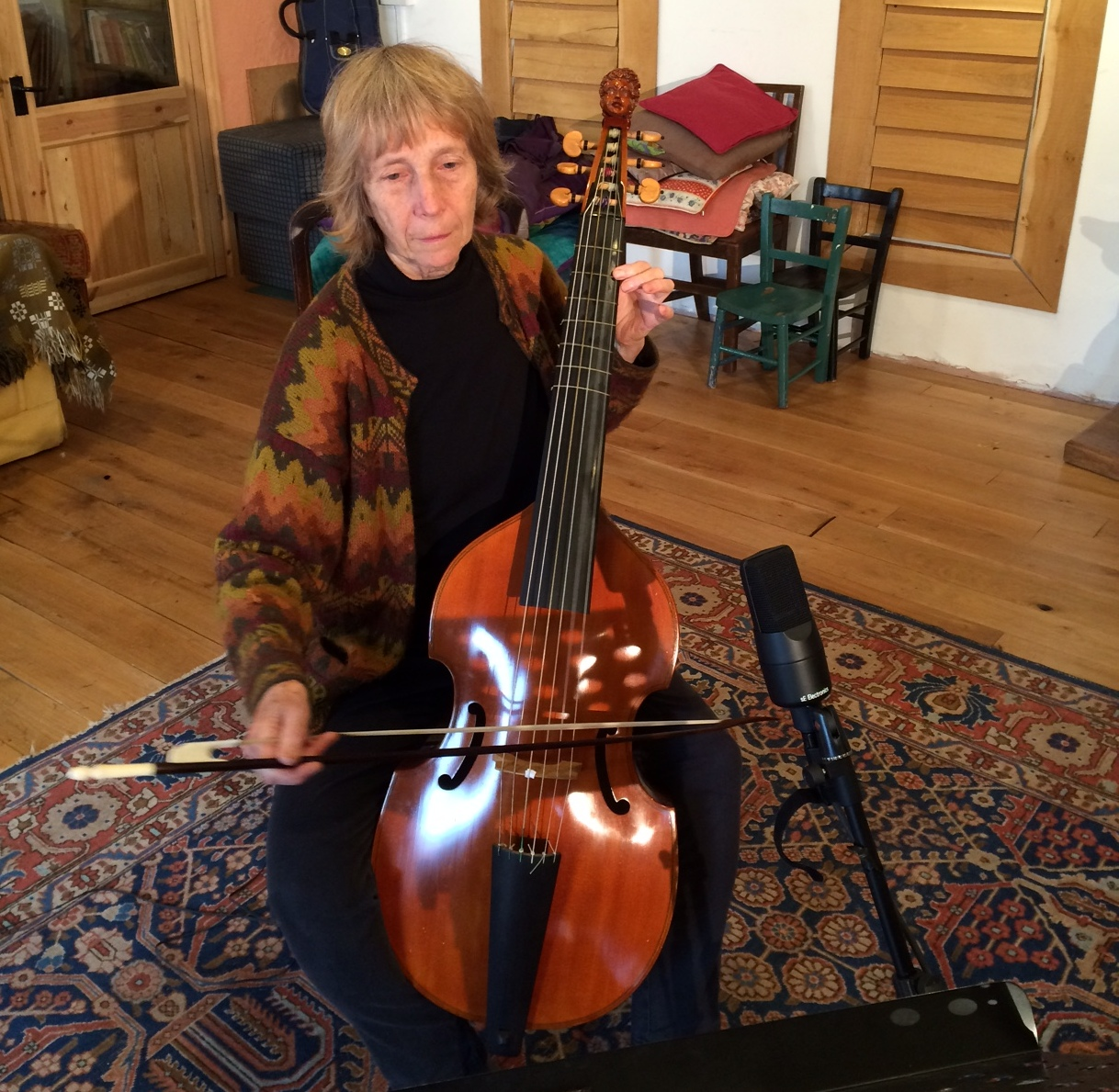 Gillian Stevens playing bass viol