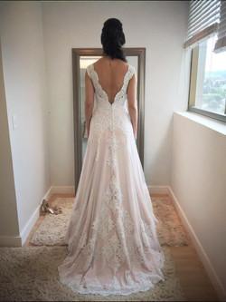costas de um vestido de noiva